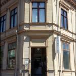 Gamla hus förlorar sin identitet med nya fönster-